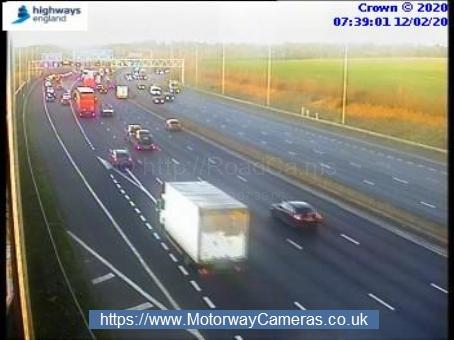 Traffic slowing in the distance at j17 on the M25 anticlockwise. Credit: Highways England