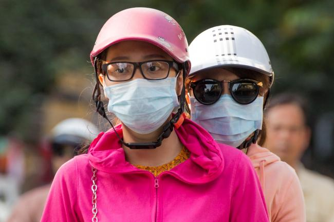 Glasses fogging up when you wear a mask - it's a problem. Photo: Pixabay