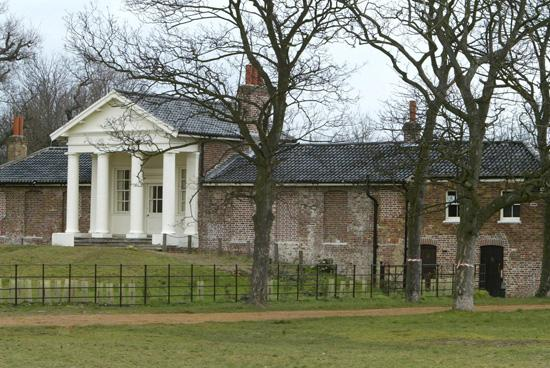 Tottenham Independent: The Temple in Wanstead Park