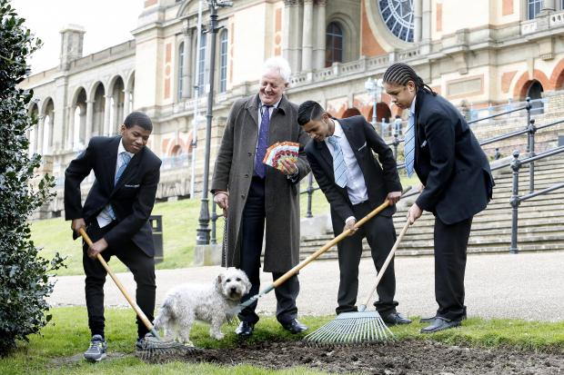 Ally Pally chief executive Duncan Wilson and students from Highgate Wood School planted poppies at Alexandra Park