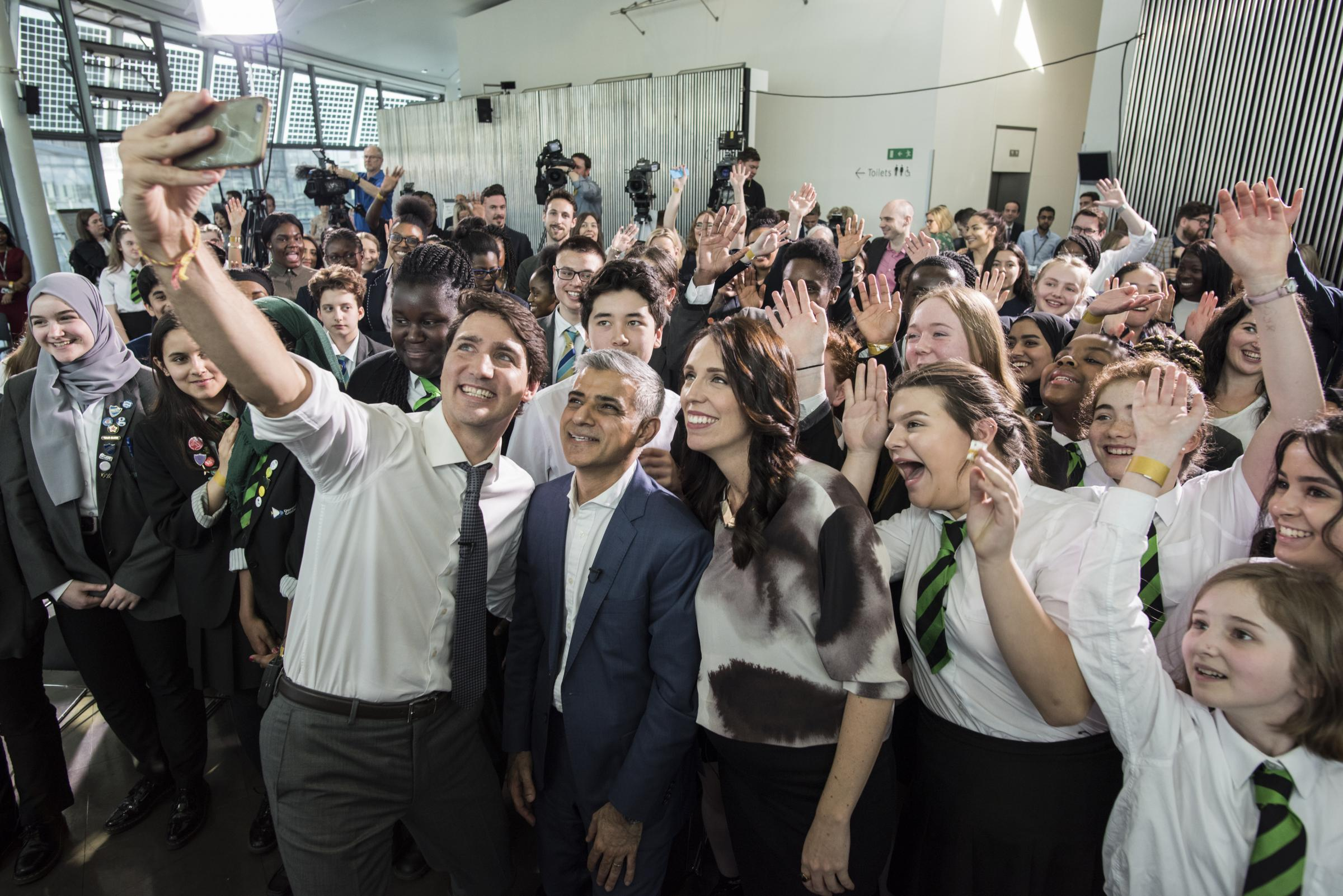 Schoolchildren with Mayor of London and Prime Ministers of Canada and New Zealand