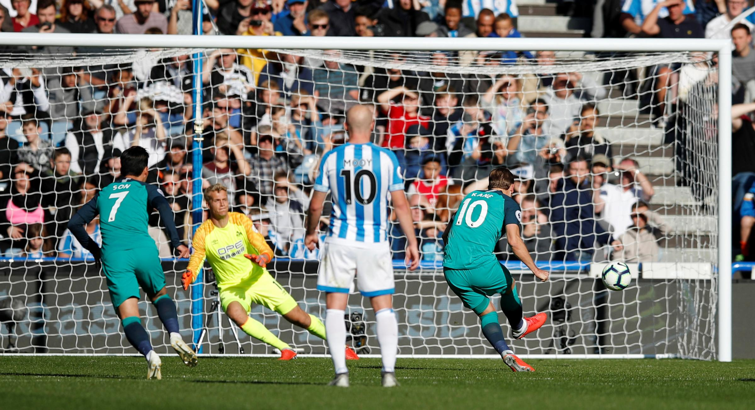 Harry Kane doubles his tally from the penalty spot. Picture: Action Images