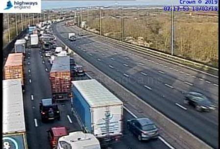 Traffic builds on the M25 at junction 26